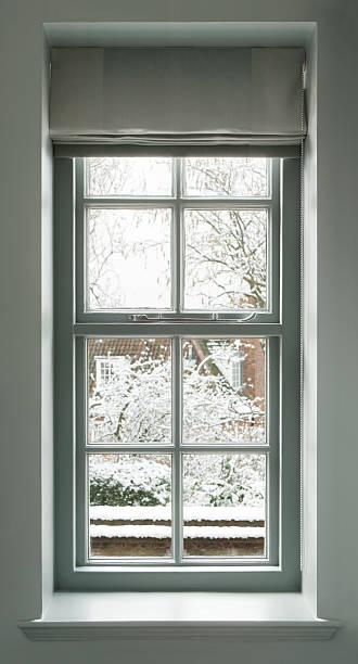 grey green window:スマホ壁紙(壁紙.com)
