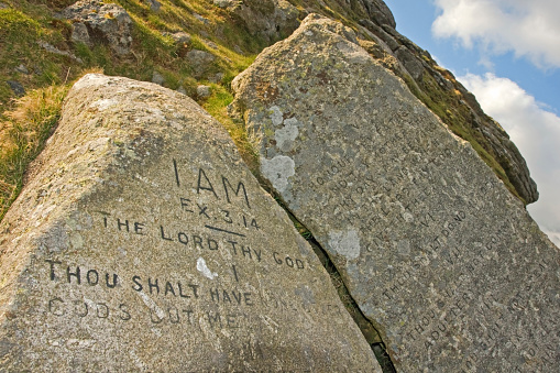 Evil「Ten commandment stones on Dartmoor National Park」:スマホ壁紙(1)