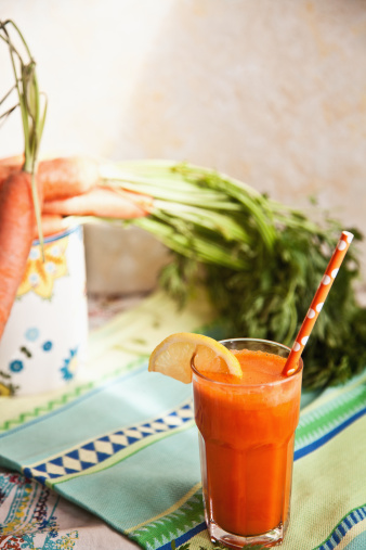 Vegetable Juice「Fresh carrot juice with carrots」:スマホ壁紙(15)