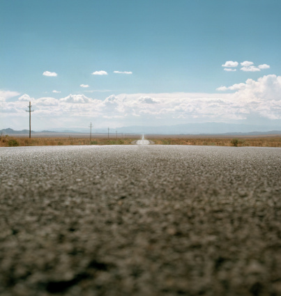 Focus On Background「road in desert」:スマホ壁紙(18)