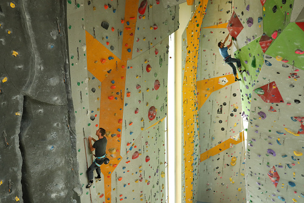 クライミング「Far From Mountains, Climbers Keep In Shape」:写真・画像(0)[壁紙.com]