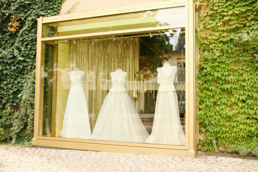 Dress「Wedding dresses on mannequins in shop window」:スマホ壁紙(19)