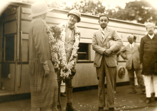 Indian Subcontinent Ethnicity「Garlanded Governor」:写真・画像(14)[壁紙.com]