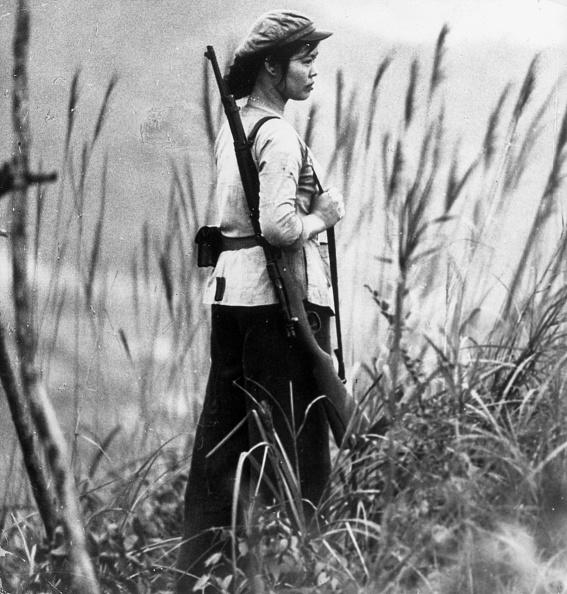 Females「Woman On Guard」:写真・画像(12)[壁紙.com]