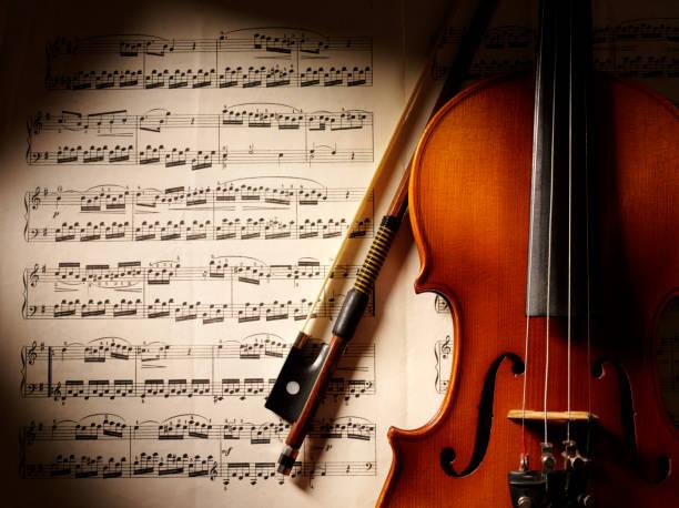 Music and Violin:スマホ壁紙(壁紙.com)