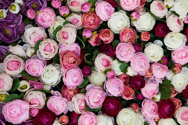 Silk roses on display for Valentines Day at 1881 Heritage shopping centre, Tsim Sha Tsui.:スマホ壁紙(壁紙.com)