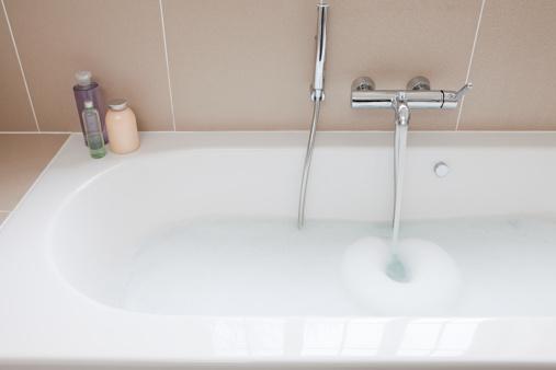 Soap「Running a bath」:スマホ壁紙(16)