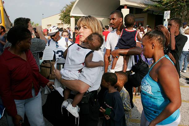 Voluntary Evacuations Begin In Galveston Ahead Of Hurricane Rita:ニュース(壁紙.com)