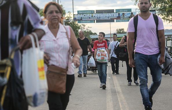 Economy「Crisis In Venezuela Sends Migrants Across Border To Colombia」:写真・画像(4)[壁紙.com]