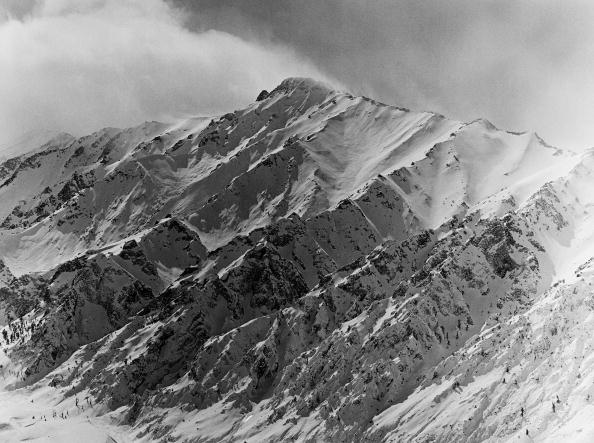 Wilderness Area「California's Eastern High Sierra Mountain Range」:写真・画像(1)[壁紙.com]