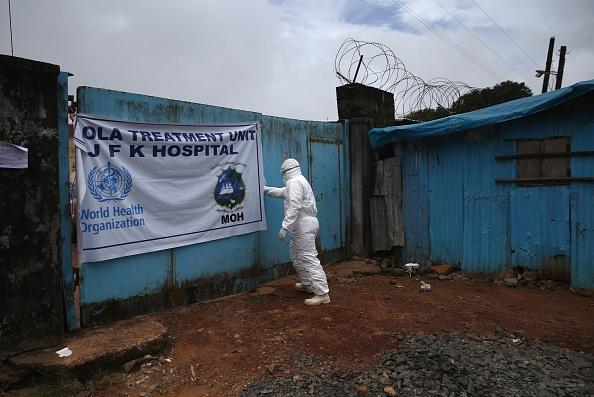 Cremation「Liberia Races To Expand Ebola Treatment Facilities」:写真・画像(14)[壁紙.com]