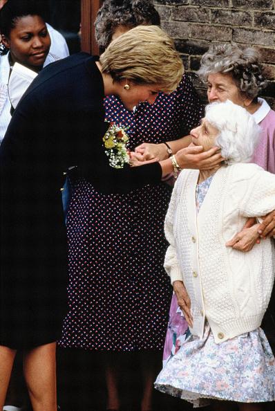 Visit「Princess Diana」:写真・画像(3)[壁紙.com]