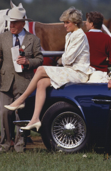 座る「Princess At Ascot」:写真・画像(10)[壁紙.com]