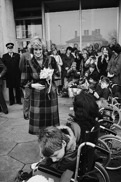 Bouquet「Diana Visits Barnado's In Barkingside」:写真・画像(3)[壁紙.com]