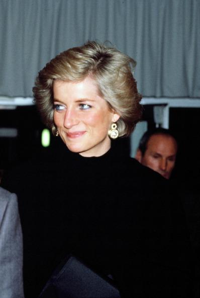 Visit「Princess Diana in France」:写真・画像(11)[壁紙.com]
