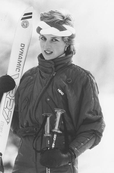 Skiing「Diana In Switzerland」:写真・画像(3)[壁紙.com]