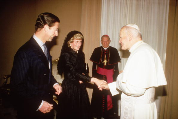 Event「Diana Princess of Wales with Prince Charles have an audience with  Pope John Paul II in the Vatican」:写真・画像(6)[壁紙.com]