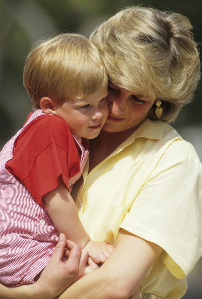 Prince - Royal Person「Diana and Harry」:写真・画像(1)[壁紙.com]
