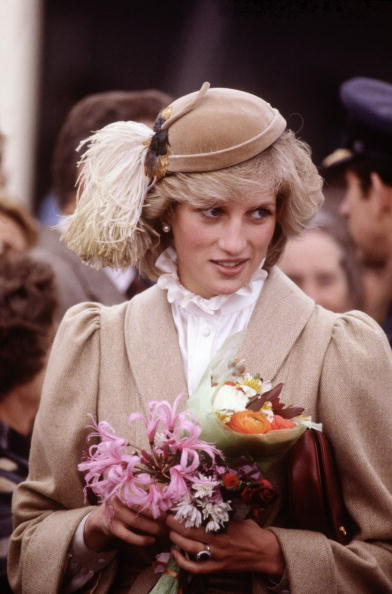 Visit「Diana Princess of Wales on a walkabout through the city centre of Christchurch」:写真・画像(19)[壁紙.com]