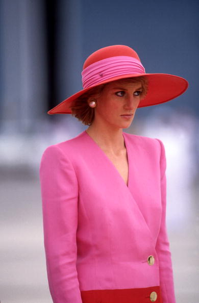 Pink Color「Diana Princess of Wales arrives in Dubai」:写真・画像(1)[壁紙.com]