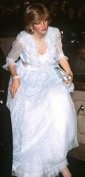 Evening Gown「Diana, Princess of Wales」:写真・画像(19)[壁紙.com]
