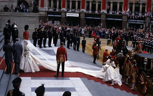 Hand「Prince Charles Marries Lady Diana Spencer」:写真・画像(12)[壁紙.com]