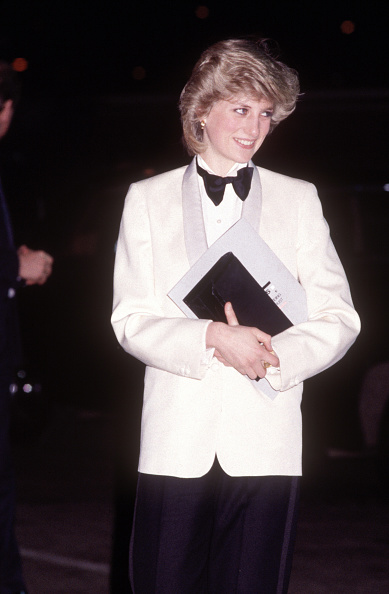 Purse「Diana Princess of Wales attends a rock concert by Genesis」:写真・画像(1)[壁紙.com]