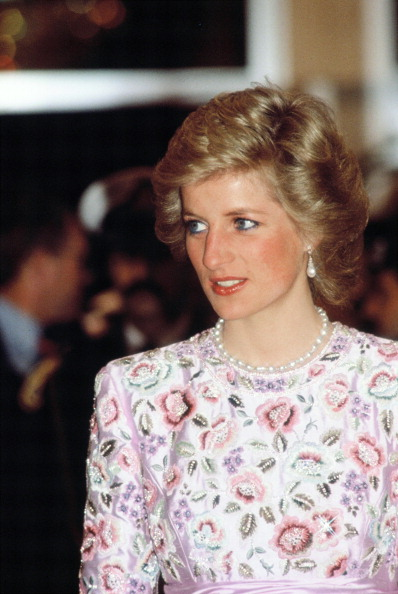Persian Gulf Countries「Princess Diana In Kuwait」:写真・画像(6)[壁紙.com]