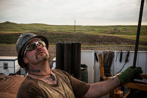 Shale「Oil Boom Shifts The Landscape Of Rural North Dakota」:写真・画像(9)[壁紙.com]