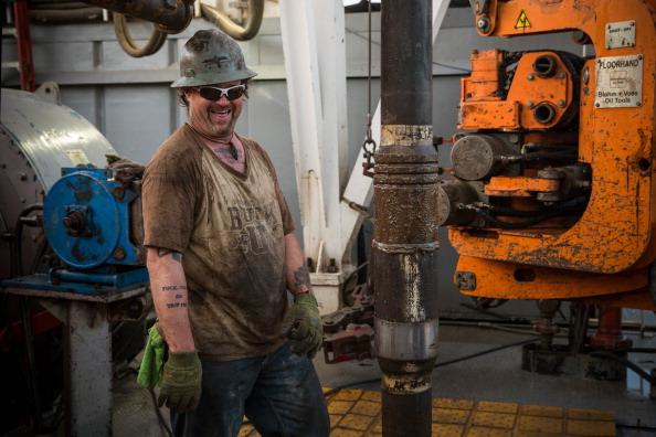 Shale「Oil Boom Shifts The Landscape Of Rural North Dakota」:写真・画像(8)[壁紙.com]