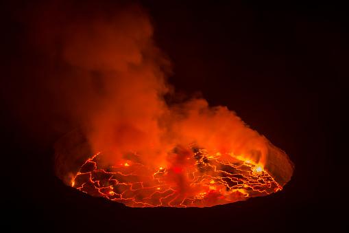 コンゴ民主共和国「表示の中心に位置し、「Nyiragongo 火山、コンゴ」:スマホ壁紙(5)