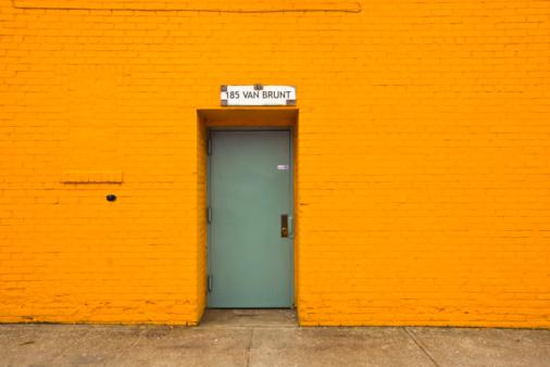 Orange Color「A door in Van Brunt street」:スマホ壁紙(17)