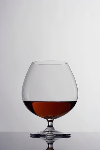 Carefree「Cognac in snifter」:スマホ壁紙(8)