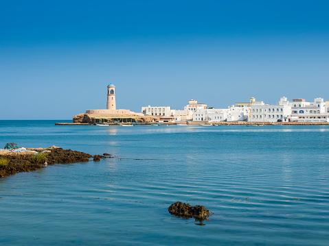 Oman「Oman, Ash Sharqiyah, Ad Daffah, seaport Sur with light house」:スマホ壁紙(17)