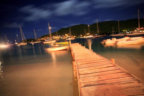 Grenadines「Grenadines, Bequia, boats and dock at dusk (long exposure)」:スマホ壁紙(15)