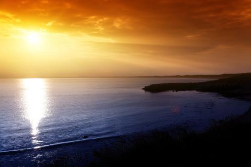 アイリッシュ海「夕暮れ時の海」:スマホ壁紙(2)