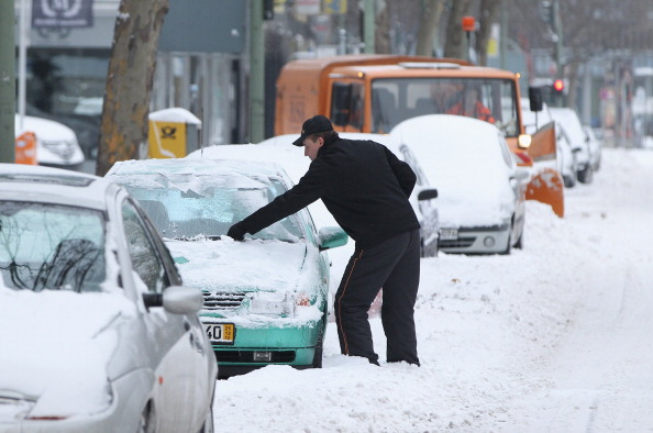 雪「Winter Hits Germany」:写真・画像(4)[壁紙.com]