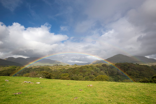 虹「Ireland, County Galway, Connemara National Park, rainbow」:スマホ壁紙(11)