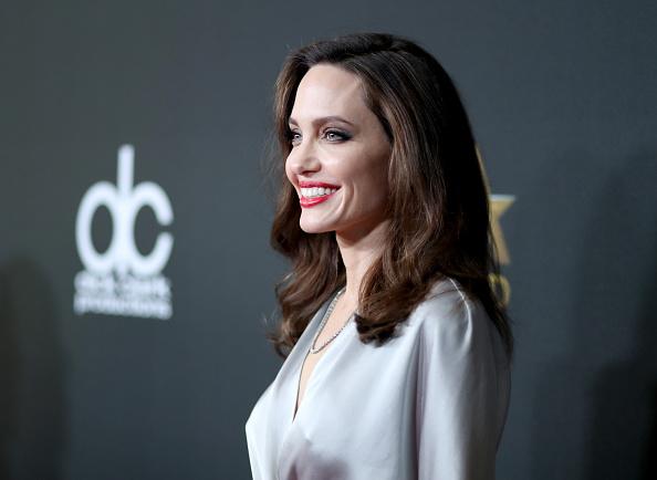 アンジェリーナ・ジョリー「21st Annual Hollywood Film Awards - Red Carpet」:写真・画像(1)[壁紙.com]