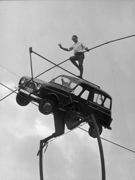 Wire Rope「Balancing Act」:写真・画像(3)[壁紙.com]