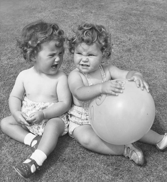 Fred Morley「Balloon Bust Up」:写真・画像(8)[壁紙.com]