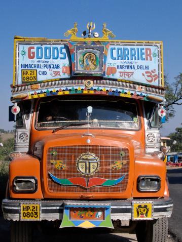 Himachal Pradesh「Decorated lorry, Himachal Pradesh, India」:スマホ壁紙(8)