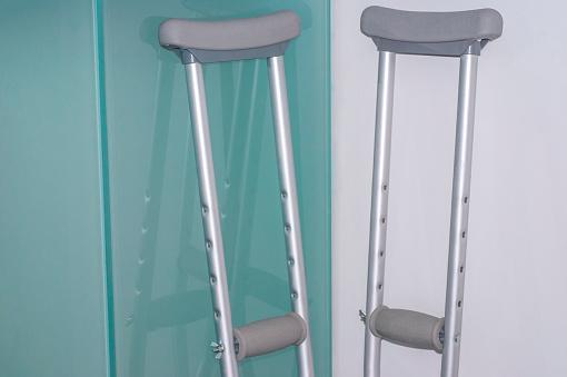 Good Posture「Pair of crutches.」:スマホ壁紙(19)