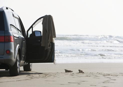 Passenger「Car on a sandy beach」:スマホ壁紙(4)