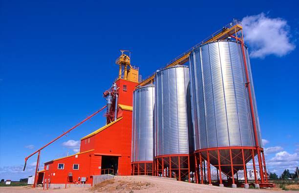 Grain silos and conveyor belt:スマホ壁紙(壁紙.com)