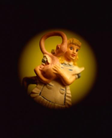 Alice in Wonderland「Figurine with flamingo」:スマホ壁紙(2)