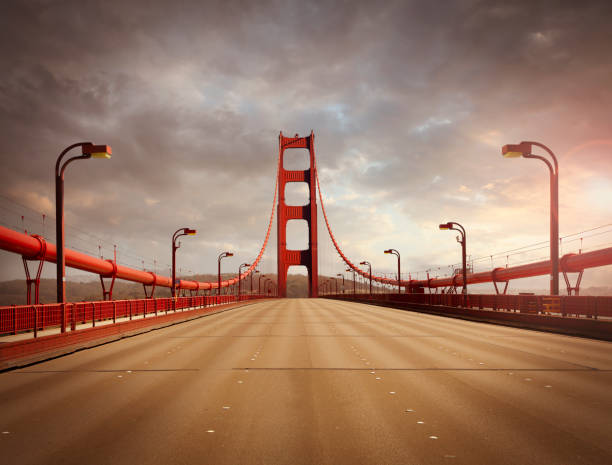 Empty Golden Gate Bridge:スマホ壁紙(壁紙.com)