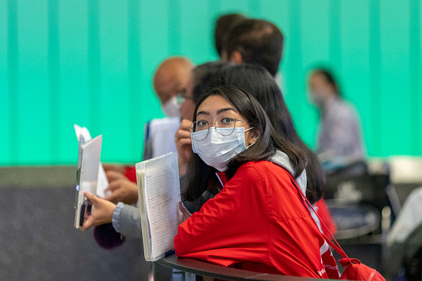 Surgical Mask「US Bans Entry To All Foreign Nationals Who Have Been In China Within Last 14 Days」:写真・画像(8)[壁紙.com]