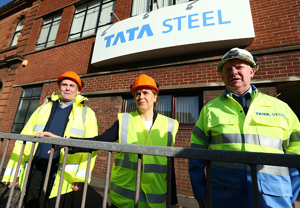 Finance and Economy「The First Minister Visits The Tata Steelworks In Lanarkshire」:写真・画像(16)[壁紙.com]