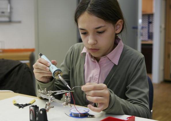 Soldered「Girlsday at Fritz-Haber Institute」:写真・画像(12)[壁紙.com]